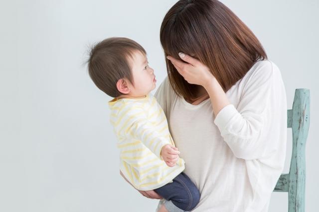 出産後の体調不良に悩む女性