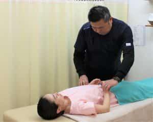 脈診・舌診・腹診を用いて身体の状態を診ます。